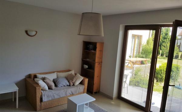 la-casa-wohnraum-im-eg-inkl-kueche